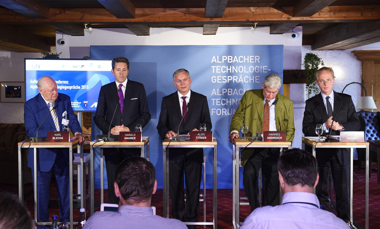 Pressekonferenz zur Eröffnung der Alpbacher Technologiegespräche: Im Bild v.li.: Karl Blecha (GFF), Staatssekretär Harald Mahrer, Bundesminister Alois Stöger, Hannes Androsch (Rat-ITE, AIT), Georg Kapsch (IV)