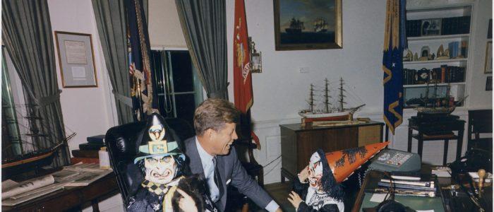 president john f. kennedy mit Kindern im OvalOffice